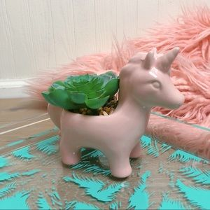 Accents - NWOT >> Pink Unicorn Planter